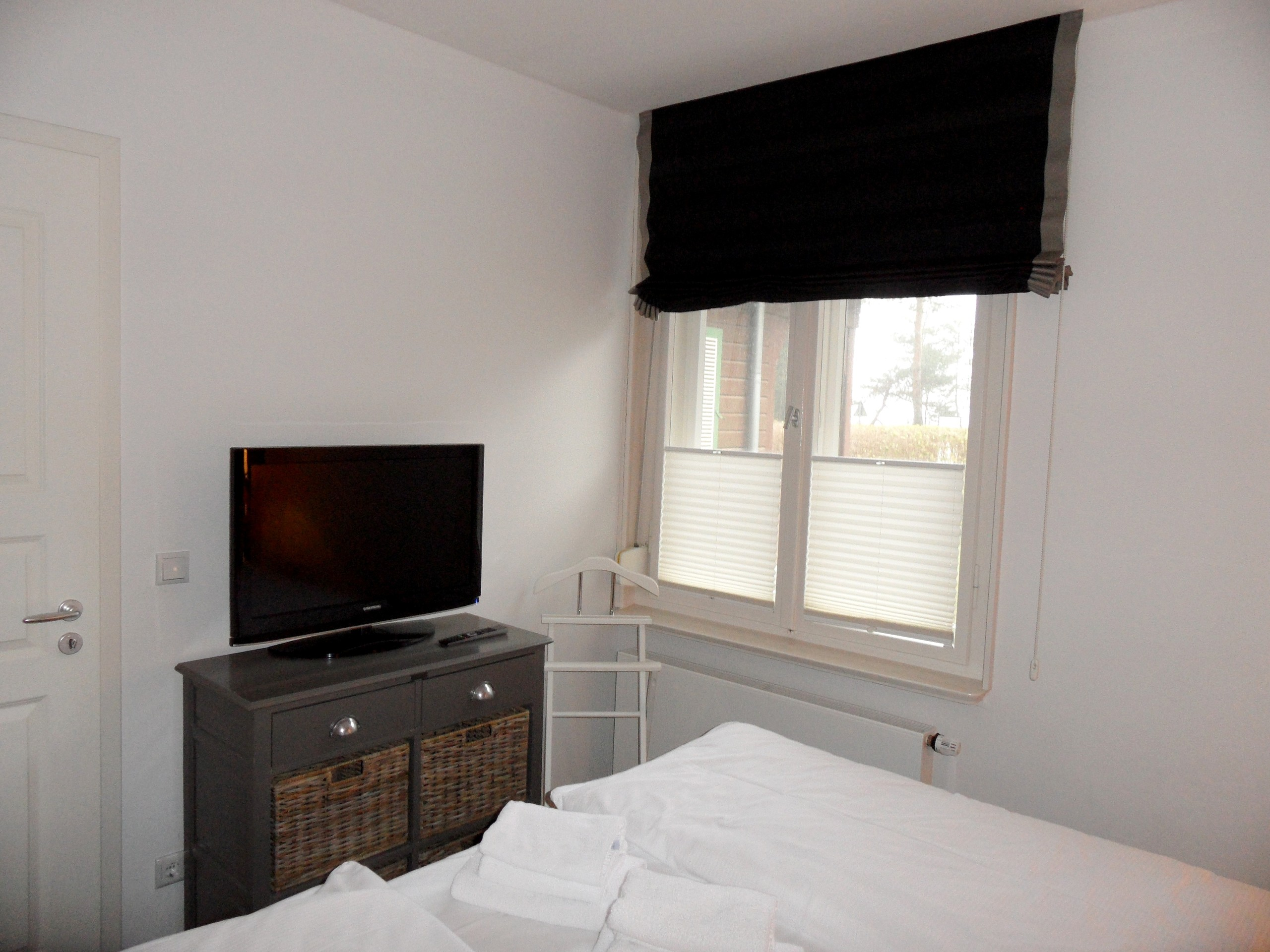 2. Schlafzimmer inkl. TV