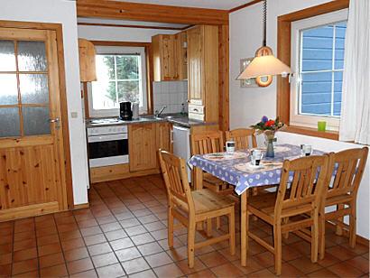 Esszimmer und Küche inkl. Geschirrspülmaschine
