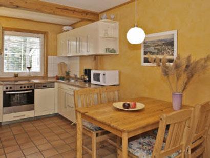 Essbereich und Küche inkl. Geschirrspülmaschine