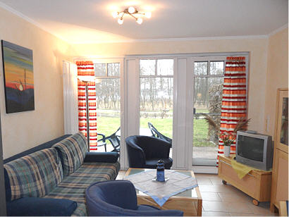 Geschmackvoll eingerichtetes Wohnzimmer