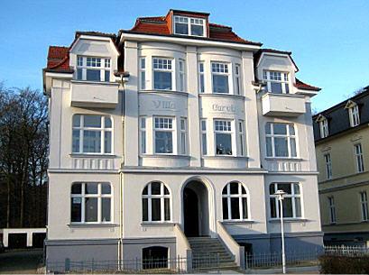 Die Villa Carola von aussen